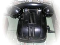 圖貳-10 磁石式電話機