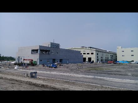 【高雄貨運服務所】高雄機廠(潮州新廠)屋頂設置太陽光電發電設備(總面積約44,000 m²)