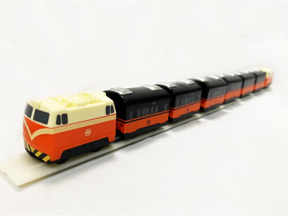 鳴日號觀光迴力列車圖片共2張